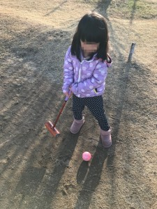 子供むけマレットゴルフスティック使用例